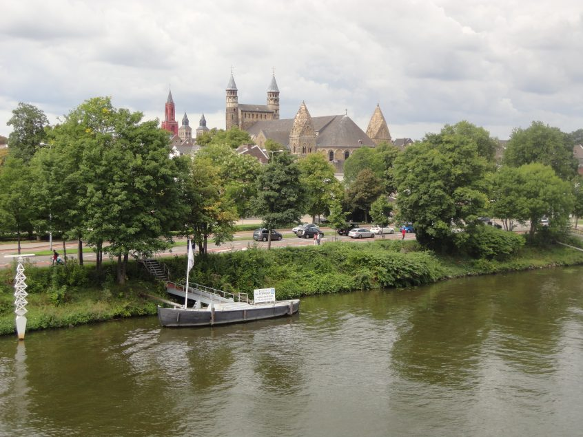 Maastricht, rive gauche, églises